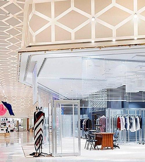 طراحی دکوراسیون فروشگاه لباس
